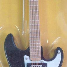 Instrumentos musicales: GUITARRA-COLECCIONISTA-ERIC CLAPTON-TAMAÑO-VER FOTOS-COLECCIONABLE-SALVAT-CLASICO-CON FASCICULO. Lote 219962428