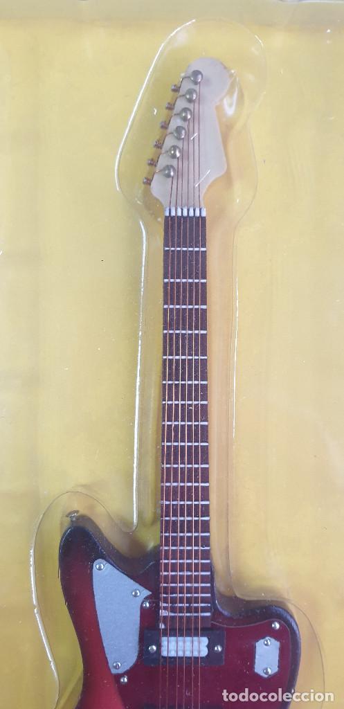 Instrumentos musicales: GUITARRA-COLECCIONISTA-KURT COBAIN-TAMAÑO-VER FOTOS-COLECCIONABLE-SALVAT-CLASICO-CON FASCICULO - Foto 4 - 219962707