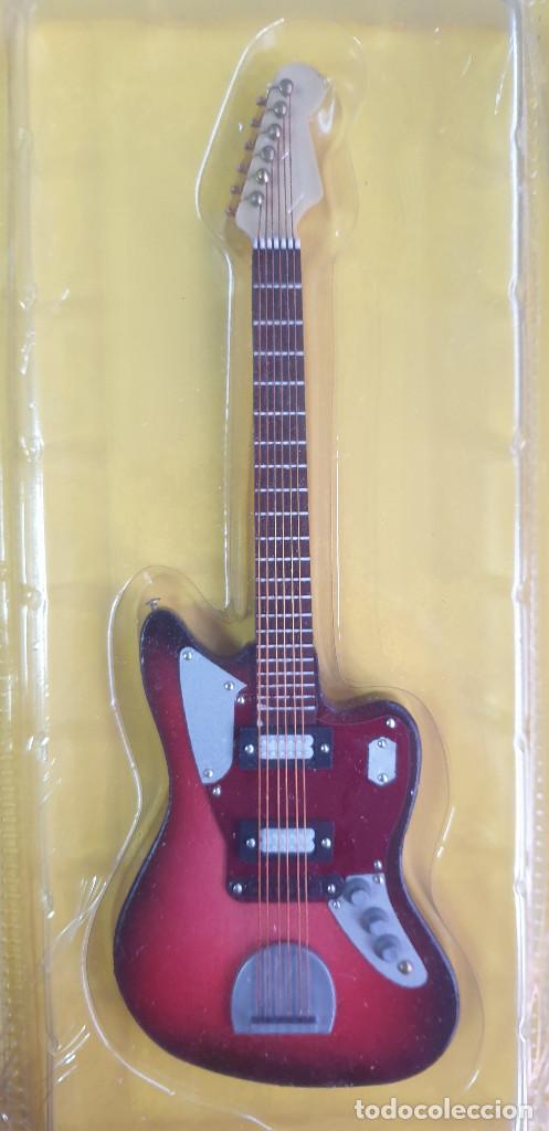 Instrumentos musicales: GUITARRA-COLECCIONISTA-KURT COBAIN-TAMAÑO-VER FOTOS-COLECCIONABLE-SALVAT-CLASICO-CON FASCICULO - Foto 5 - 219962707
