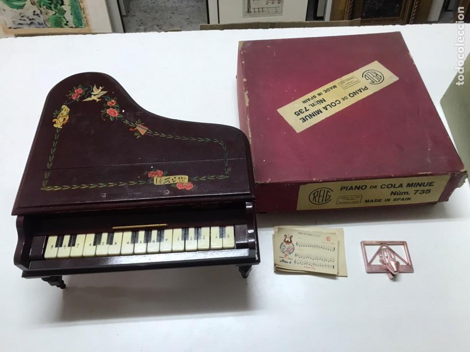 PIANO DE COLA MARCA REIG MINUÉ NUM 735 CON CAJA ORIGINAL Y PARTIRURAS (Música - Instrumentos Musicales - Pianos Antiguos)