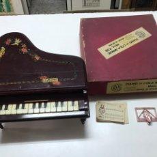 Instrumentos Musicais: PIANO DE COLA MARCA REIG MINUÉ NUM 735 CON CAJA ORIGINAL Y PARTIRURAS. Lote 219973448
