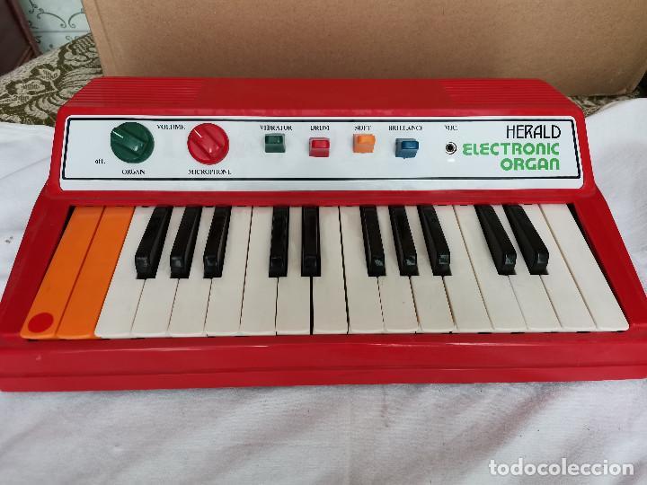 RAREZA COLECCIONISTAS ANTIGUO ORGANO PIANO ELECTRONICO HERALD AÑOS 80 TIPO CASIO NO CASIOTONE (Música - Instrumentos Musicales - Teclados Eléctricos y Digitales)