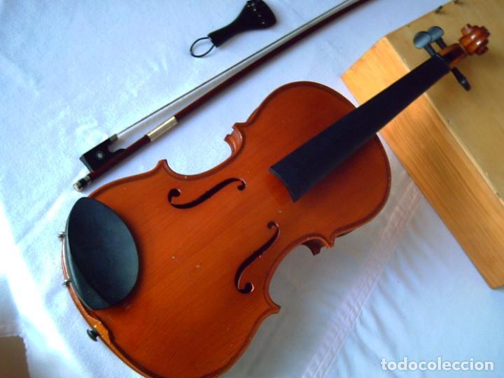 Instrumentos musicales: Violín 3/4 (56 cms.), con arco y estuche. En perfecto estado. - Foto 8 - 221304108