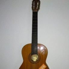 Instrumentos musicales: GUITARRA CLÁSICA ESPAÑOLA ARTESANAL EN BUEN ESTADO. Lote 221612341