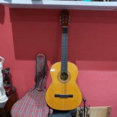 Instrumentos musicales: ANTIGUA GUITARRA RITMO ,MODELO T-2 ESPAÑA . EXCELENTE ESTADO CON SU FUNDA . VER FOTOS. Lote 221624356