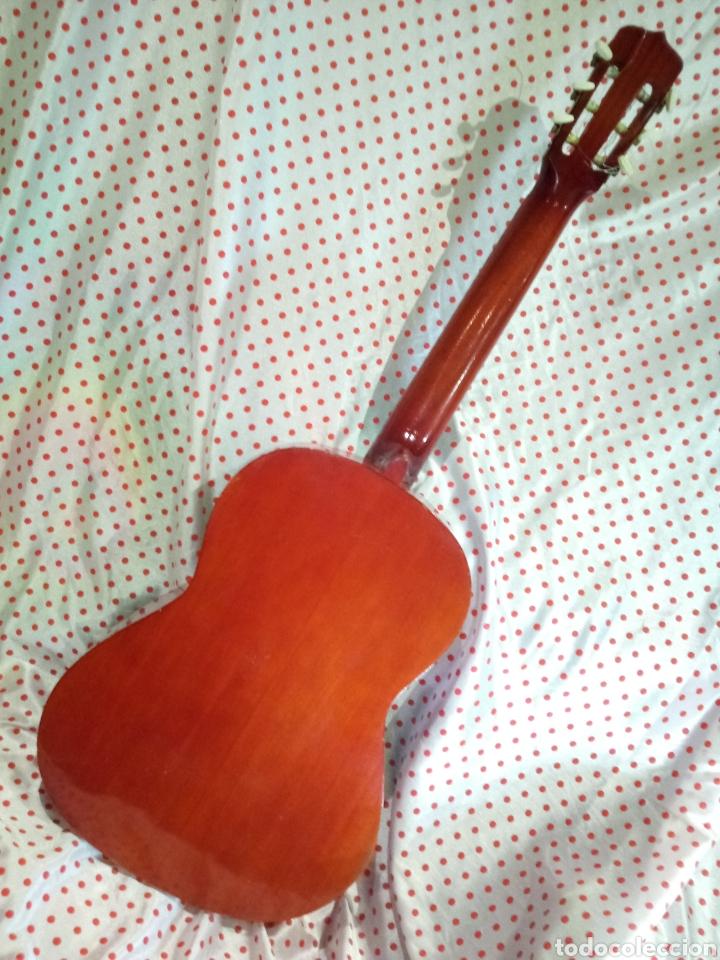 Instrumentos musicales: Mas y Mas Guitarra antigua - Paterna - Valencia - Foto 2 - 221741397