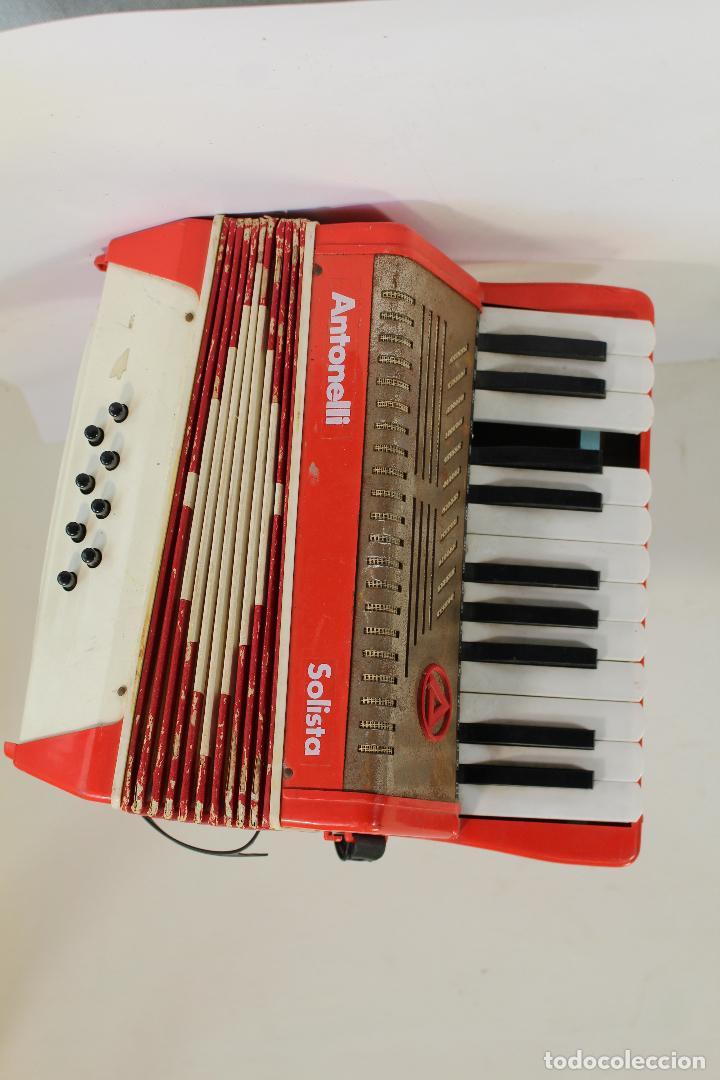Instrumentos musicales: Acordeón antonelli solista Piano Tecla 8 bajos - Foto 2 - 222305151