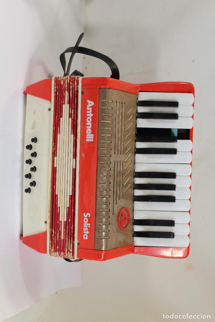 Instrumentos musicales: Acordeón antonelli solista Piano Tecla 8 bajos - Foto 3 - 222305151