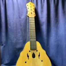 Instrumentos musicales: BANDURRIA JOSE MARIA DURA VALENCIA MITAD S XX 85X35CMS. Lote 222330825