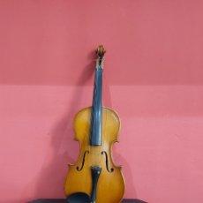 Instrumentos musicales: VIOLÍN ANTIGUO PARA RESTAURAR . LA CARCASA ESTÁ BIEN . VER LAS FOTOS. Lote 222688545