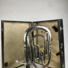 Instrumentos Musicais: S- ANTIGUO TROMBÓN BOMBARDINO EUROPEO DE GRAN TAMAÑO CON SU CAJA. Lote 223413885