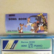 Instrumentos musicales: ESTUCHE CON PIANO ELECTRONICO AÑOS 80 - NUEVO DE STOCK DE JUGUETERIA. Lote 223943168