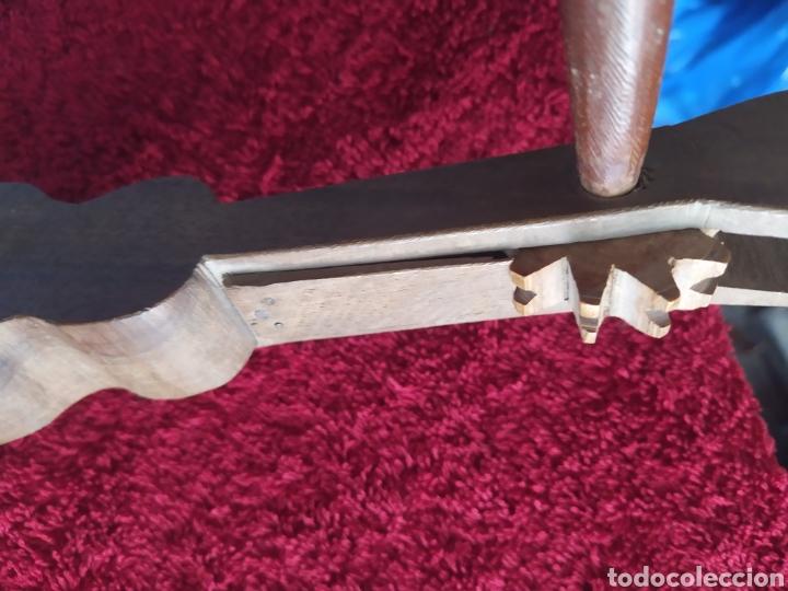 Instrumentos musicales: Antiguo Instrumento musical denominado carraca o matraca típico de la Semana Santa Madera labrada - Foto 2 - 224176232