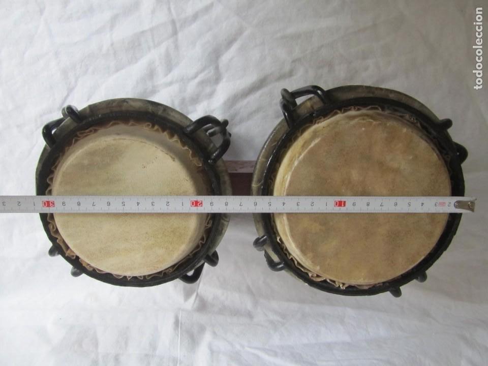 Instrumentos musicales: Pareja de tambores de madera, piel e hierro, Cuba - Foto 11 - 224607607