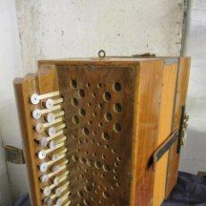 Instrumentos musicales: ANTIGUO ACORDEON PEQUEÑO - MARCA REGISTRADA EL CID -. Lote 225271167