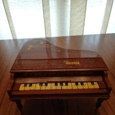 Instrumentos musicales: PIANO COLA ANTIGUO DE JUGUETE. Lote 227064985