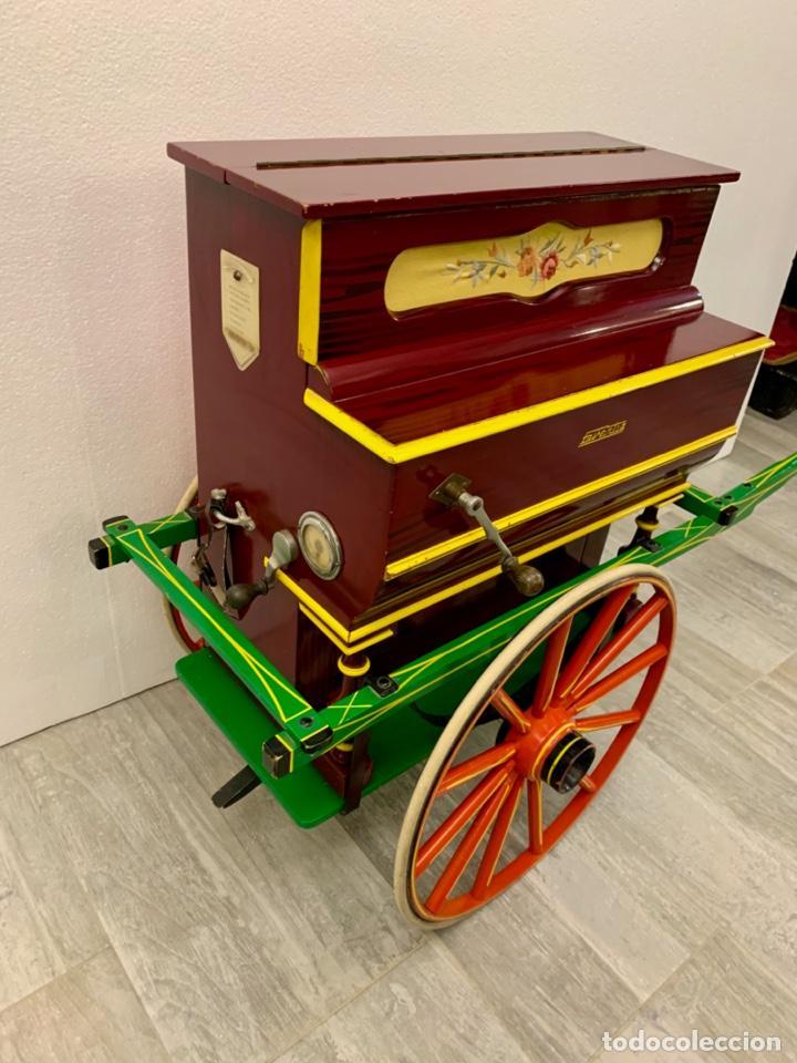 Instrumentos musicales: ORGANILLO DE MANIVELA FAVENTIA DE VICENTE LLINARES CON CARRO - Foto 5 - 227243580