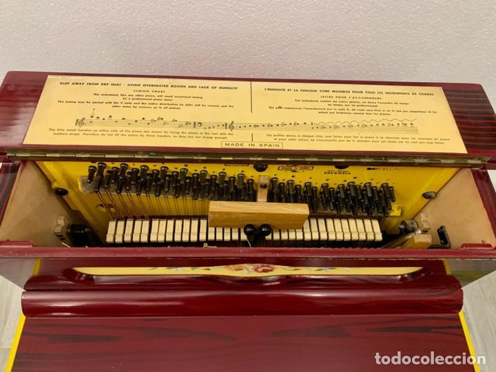 Instrumentos musicales: ORGANILLO DE MANIVELA FAVENTIA DE VICENTE LLINARES CON CARRO - Foto 7 - 227243580