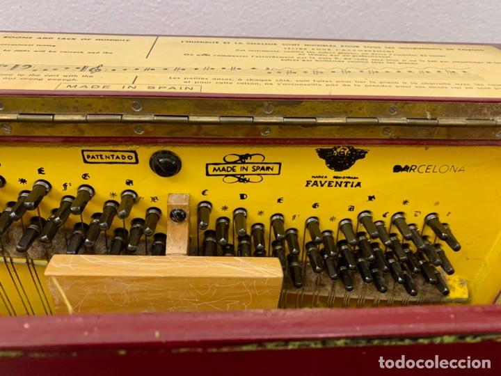 Instrumentos musicales: ORGANILLO DE MANIVELA FAVENTIA DE VICENTE LLINARES CON CARRO - Foto 8 - 227243580