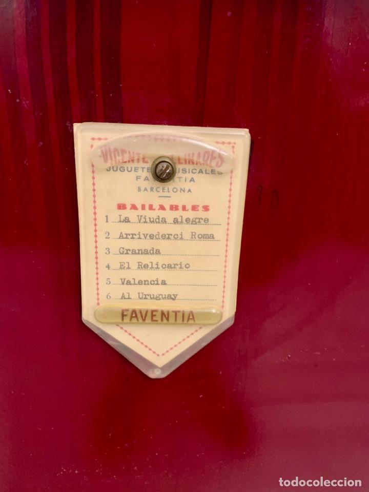 Instrumentos musicales: ORGANILLO DE MANIVELA FAVENTIA DE VICENTE LLINARES CON CARRO - Foto 10 - 227243580
