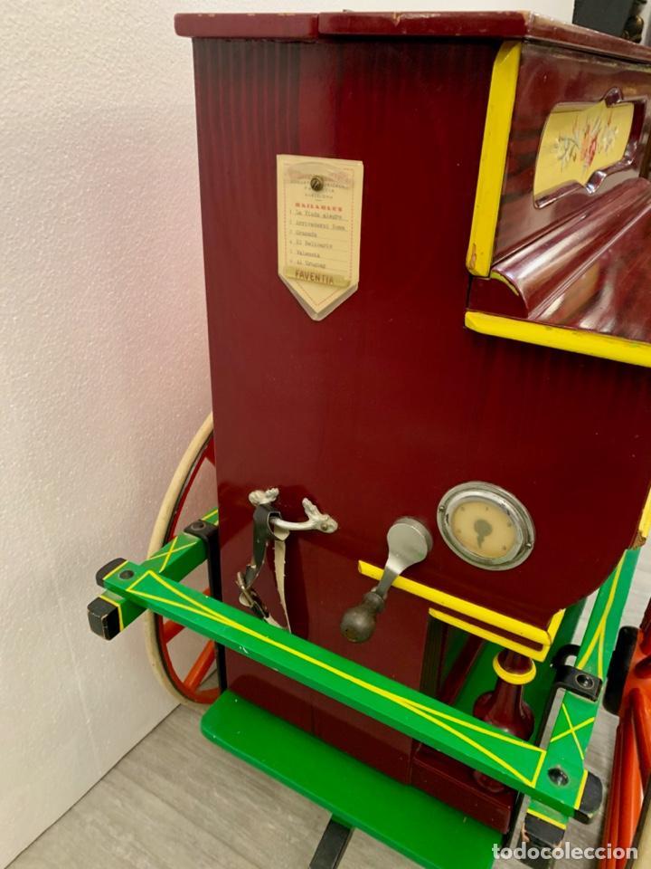 Instrumentos musicales: ORGANILLO DE MANIVELA FAVENTIA DE VICENTE LLINARES CON CARRO - Foto 11 - 227243580