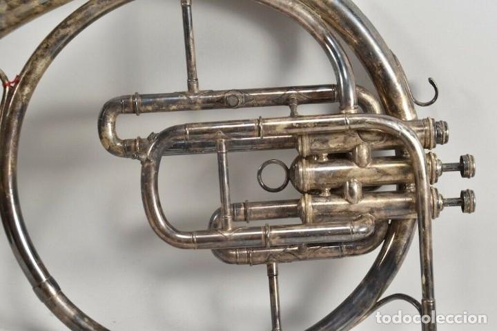 Instrumentos musicales: ANTIGUA TROMPA MUSICAL CUERNO, TROMPETA PARIS BOSQUE FIRMADA 45X38X28 CM 499 EUROS - Foto 6 - 227778061