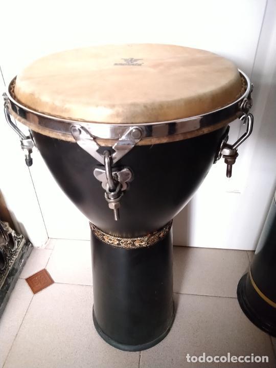 TIMBAL DE PIEL MARCA SANTAFE. MEDIDAS: 33 CM DIÁMETRO/ 63 CM ALTURA. (Música - Instrumentos Musicales - Percusión)