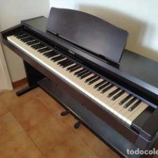 Instrumentos musicales: PIANO DIGITAL ROLAND HP 135. Lote 231136060