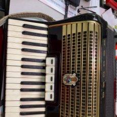 Instrumentos musicales: ACORDEÓN WELTMEISTER. Lote 232273960