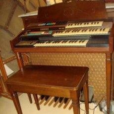 Instrumentos musicales: ORGANO HARMONIO ANTIGUO MARCA WURTLTZER. Lote 232942090