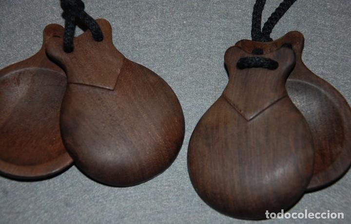 Instrumentos musicales: ANTIGUAS CASTAÑUELAS/PALILLOS DE MADERA ORIGINALES - Foto 2 - 234767615