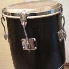 Instrumentos musicales: CONGA / PERCUSIÓN / TAMBOR CON PATAS. Lote 235294005