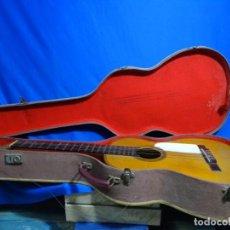 Instrumentos musicales: ANTIGUA GUITARRA DEL CONSTRUCTOR ANTONIO RODRÍGUEZ 1943, BARCELONA, REPASADA POR LA CASA ESTRUCH. Lote 235460495