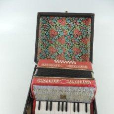 Instrumentos musicales: ANTIGUO ACORDEÓN RUSO MALIOSH TAMAÑO PEQUEÑO INFANTIL BUEN ESTADO AUTENTICO INSTRUMENTO MUSICAL. Lote 235472400