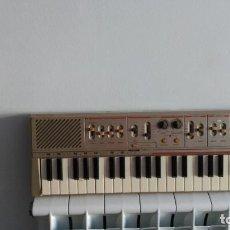 Instrumentos musicales: TECLADO ANTIGUO EN FUNCIONAMIENTO VA TAMBIÉN A PILAS. Lote 235644195