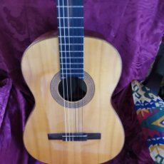 Instrumentos musicales: GUITARRA CLÁSICA AÑOS 70. Lote 226983175