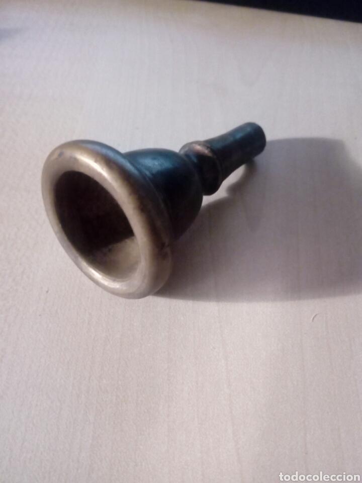 INTERESANTE Y VIEJA BOQUILLA DE UNA TUBA. INSTRUMENTO (Música - Instrumentos Musicales - Accesorios)