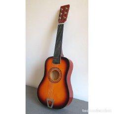 Instrumentos musicales: GUITARRA DE JUGUETE. CAJA Y MASTIL DE MADERA. 59 CM LARGO X 20 CM ANCHO. BUEN ESTADO. Lote 235993210