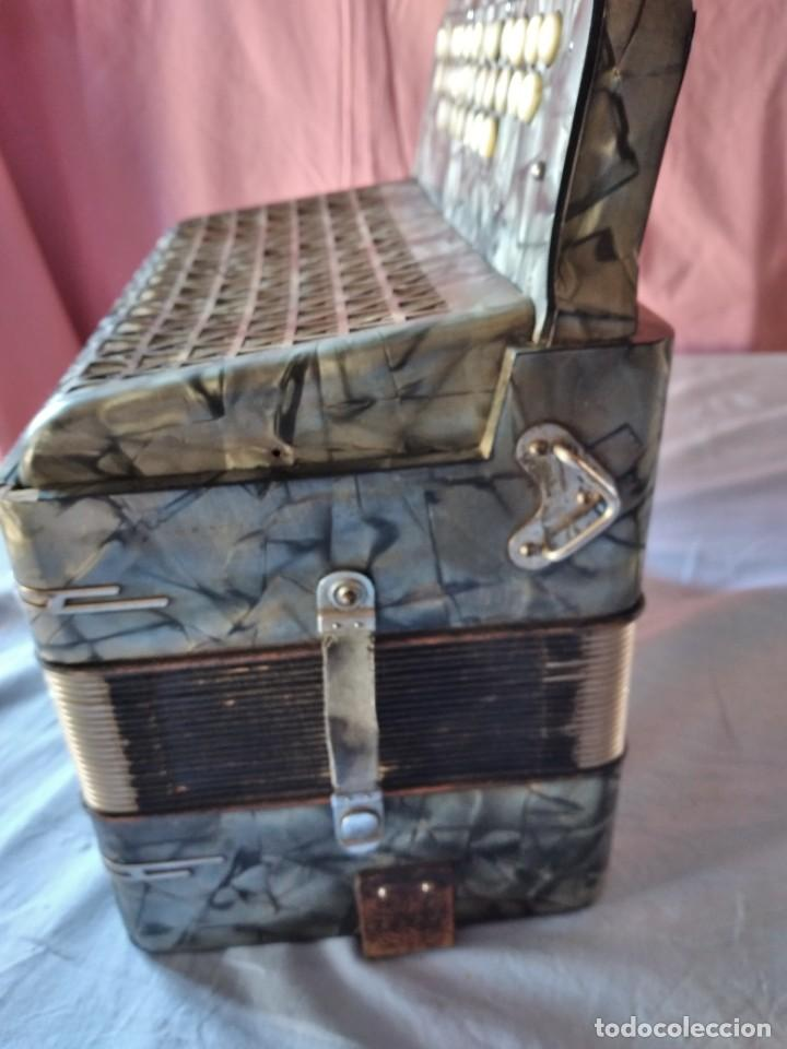 Instrumentos musicales: concertina acordeón Hohner Club II B victoria botón,germany - Foto 7 - 236054900