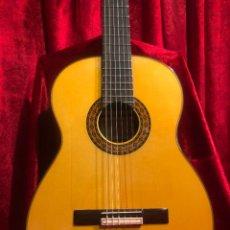 Instrumentos musicales: GUITARRA HERMANOS CONDE MEDIA LUNA 2007. Lote 236101295