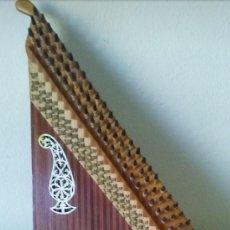 Instrumentos Musicais: KANUN:INSTRUMENTO DE CUERDA DEL MEDIO ORIENTE. Lote 236496835