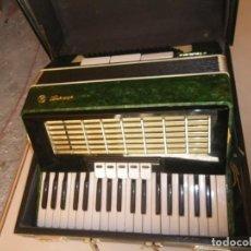 Instrumentos musicales: ACORDEON EN BUEN ESTADO 96 BAJOS + MELODIAS ,REGISTROS , VOCES Y EN SU CAJA , VERR. Lote 237335515