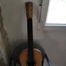 Instrumentos musicales: GUITARRA ANTIGUA A RESTAURAR. Lote 237463200