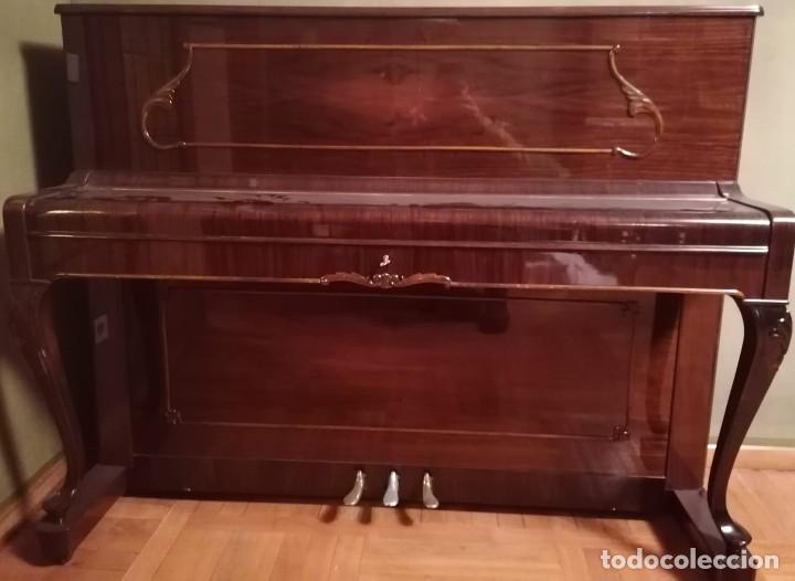 Instrumentos musicales: Piano Petrof - Foto 3 - 237648720