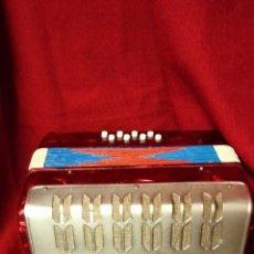Instrumentos musicales: BONITO ACORDEON DE FUELLE. Lote 238298695