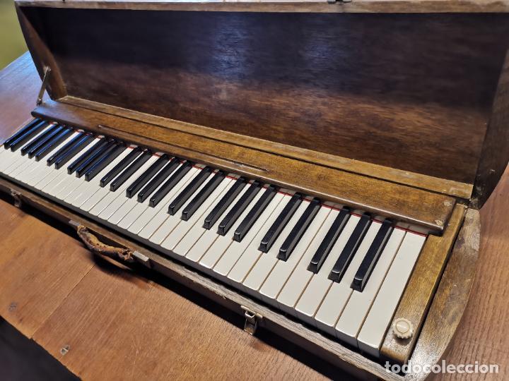 ANTIGUO TECLADO PIANO EXPOSICION MUESTRARIO VIAJANTE-REPUESTO RECAMBIO ORQUESTA CONCIERTO MUSICO (Música - Instrumentos Musicales - Pianos Antiguos)
