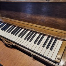 Instrumentos Musicais: ANTIGUO TECLADO PIANO EXPOSICION MUESTRARIO VIAJANTE-REPUESTO RECAMBIO ORQUESTA CONCIERTO MUSICO. Lote 238854010