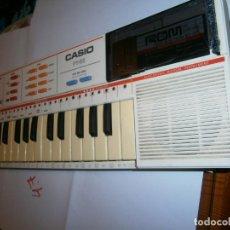 Instrumentos musicales: ANTIGUO ORGANO ELECTRONICO CASIO PT-82 EN BUEN ESTADO CON CASIO ROM PACK RO-551 -CANCIONES DEL MUNDO. Lote 241164410