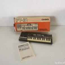 Instruments Musicaux: ÓRGANO CASIO PT - 31, CON SU CAJA ORIGINAL E INSTRUCCIONES, FUNCIONANDO. Lote 241760770