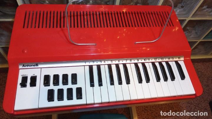"""Instrumentos musicales: Organo 1969 """"Golden Organ Antonelli"""" con teclado Polifónico y Pie desmontable mod 27/8 VSP - Foto 4 - 242908425"""